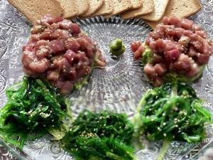 RED TUNA TARTAR WITH ALGA WAKAME