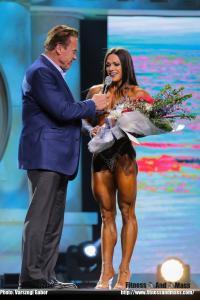 Oksana Grishina, TOP IFBB PRO, bejelentette, hogy